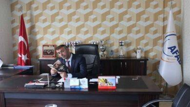 صورة مسؤول تركي يكشف عن أسباب  فصل بعض المعلمين السوريين من المدارس التركية
