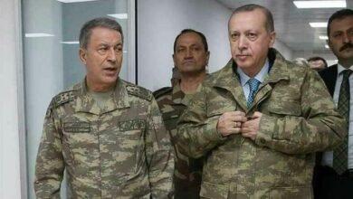 صورة عاجـــــل // بأوامر من أردوغان وزير الدفـ.ـاع التركي وقـ.ـادة الجيـ.ـش يتوجهون لمكان تحـ.ـطم ومقـ.ـتل الجـ.ـنود الأتراك